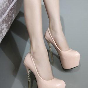 Scarpe nude lack tacco oro