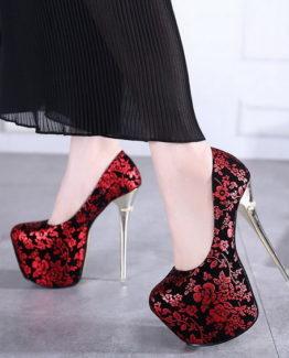 Scarpe stampa fiori rosse
