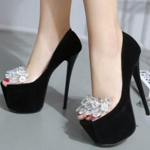 Scarpe nere fiore