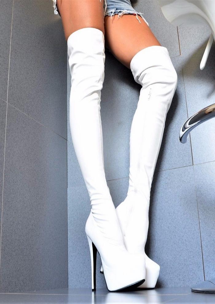 Stivali sopra al ginocchio bianchi