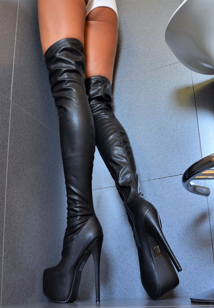 Stivali sopra al ginocchio neri