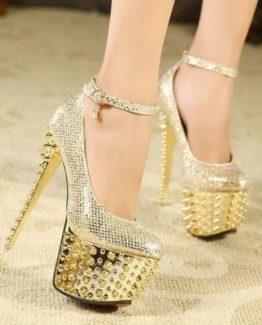 Scarpe oro borchie tacco 16